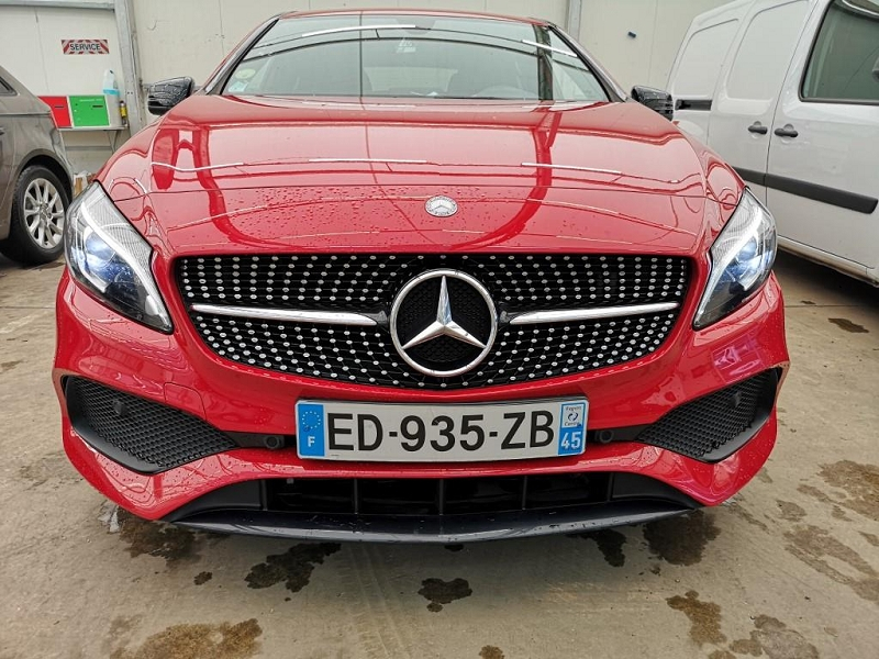 Mercedes-Benz CLASSE A (W176) 180 BUSINESS EXECUTIVE 7G-DCT / PACK AMG Essence ROUGE  Occasion à vendre